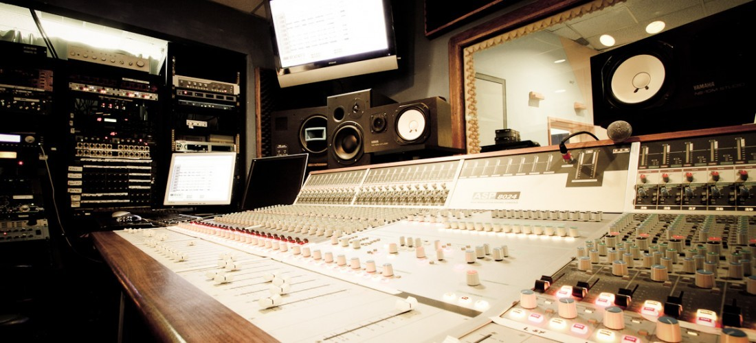 Having Established A Reputable Professional Music Studio Supported Big Names Clients And An Excellent Rapport With Some Of The UKs Largest